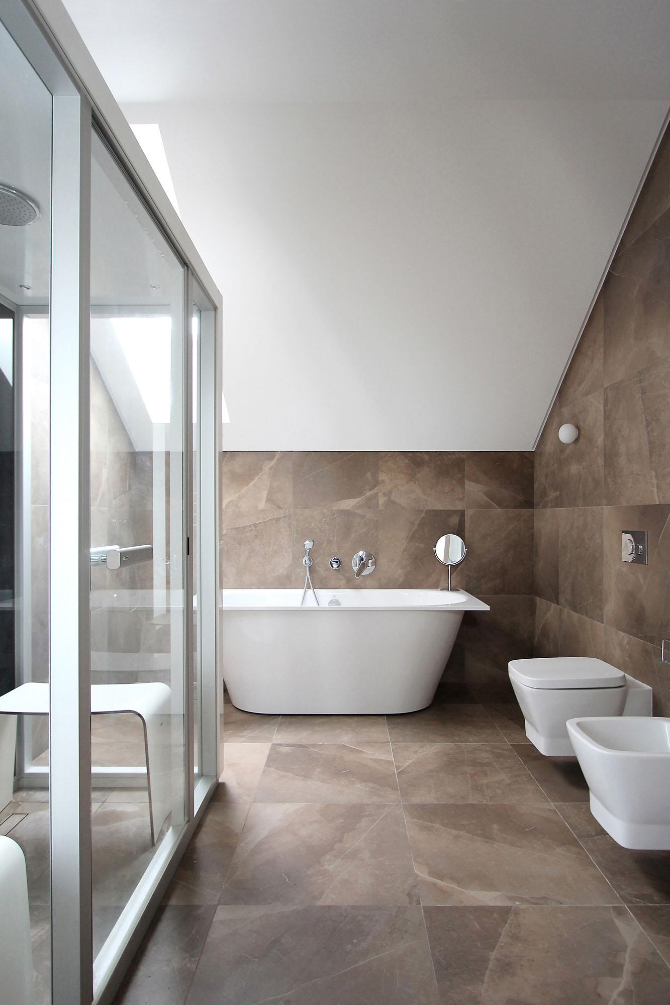 Minimal Style and White Colour Theme of House 02 by Ramunas Manikas-18
