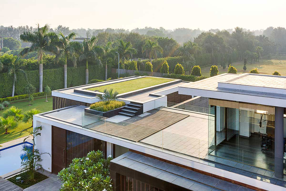 Modern Center Court Villa in New Delhi by DADA Partners-01