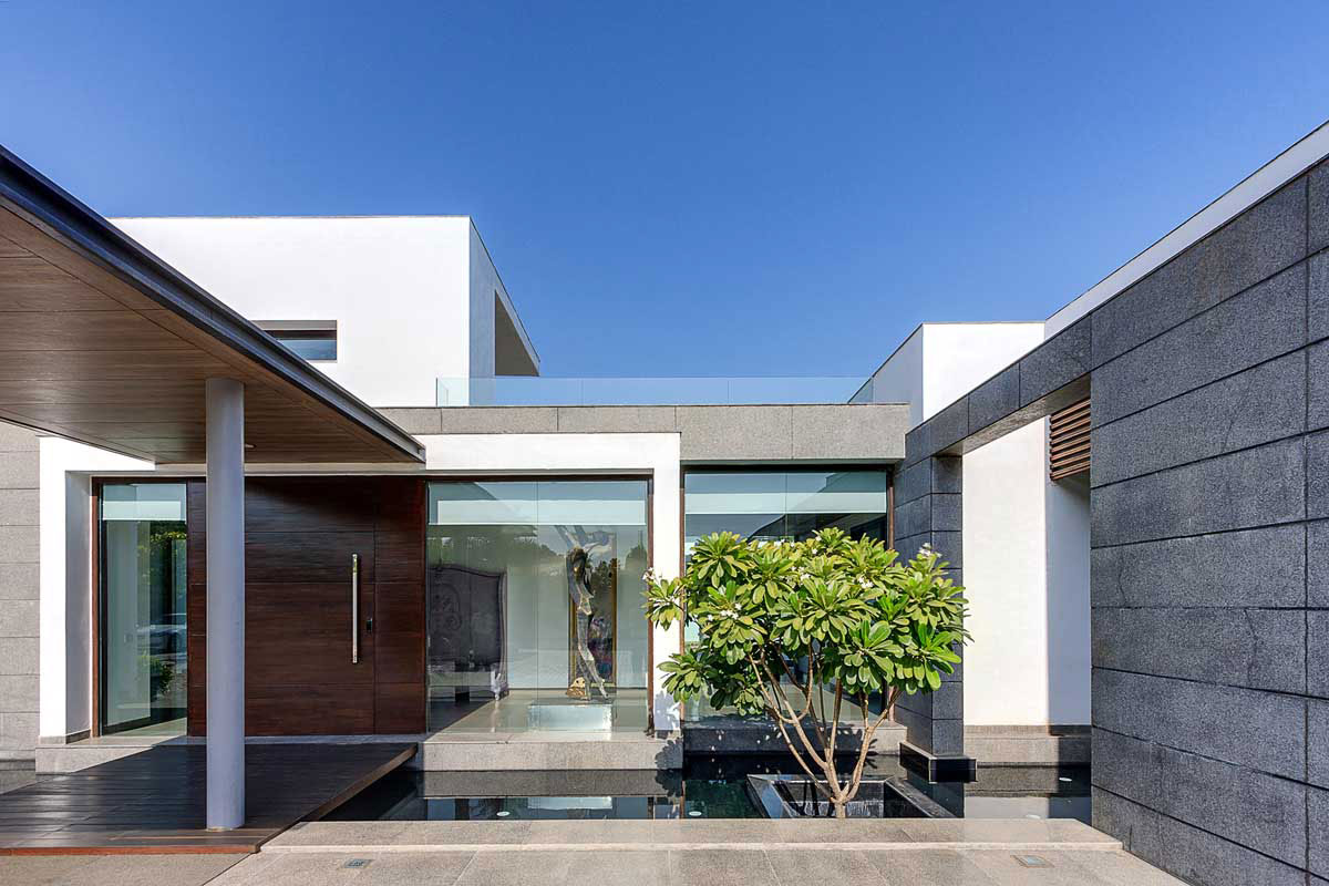 Modern Center Court Villa In New Delhi By DADA Partners CAANdesign Archit