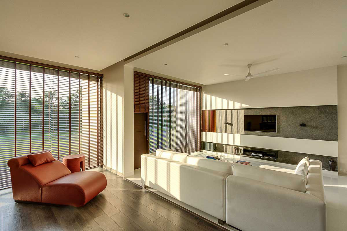 Modern Center Court Villa in New Delhi by DADA Partners-07