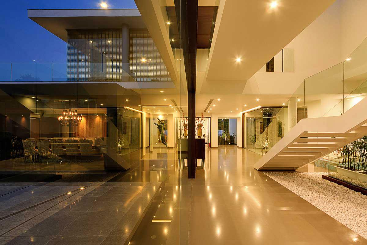 Modern Center Court Villa in New Delhi by DADA Partners-11