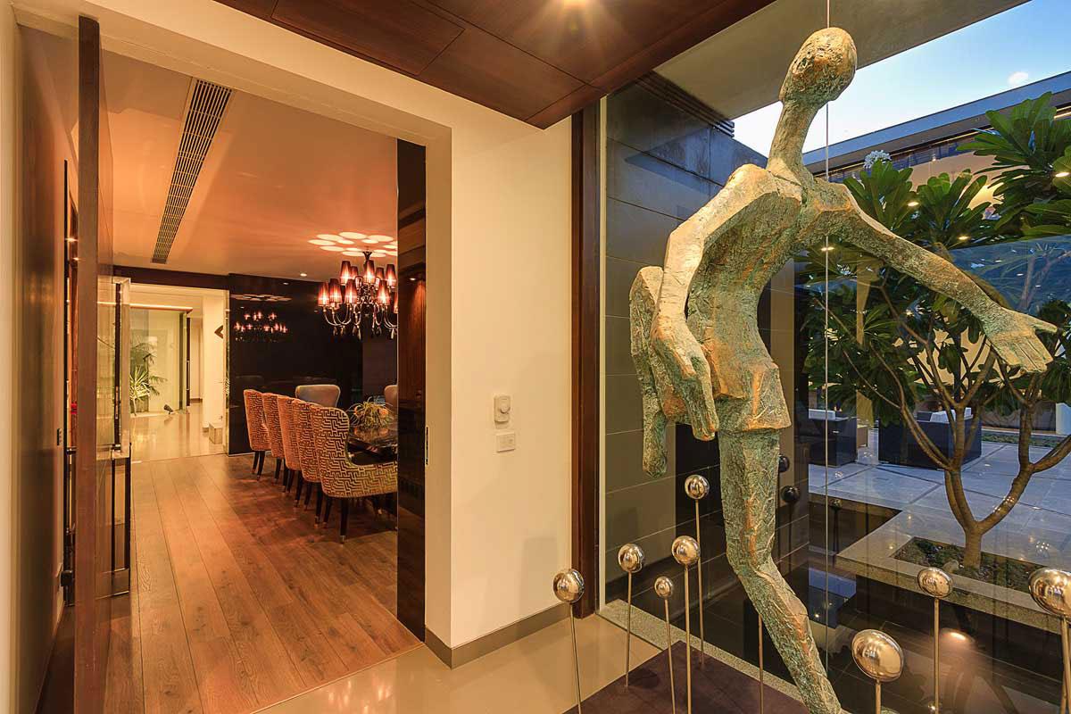 Modern Center Court Villa in New Delhi by DADA Partners-12