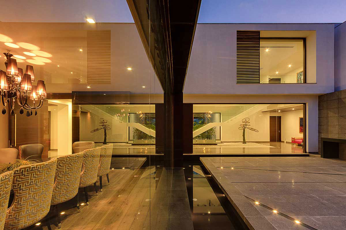 Modern Center Court Villa in New Delhi by DADA Partners-13