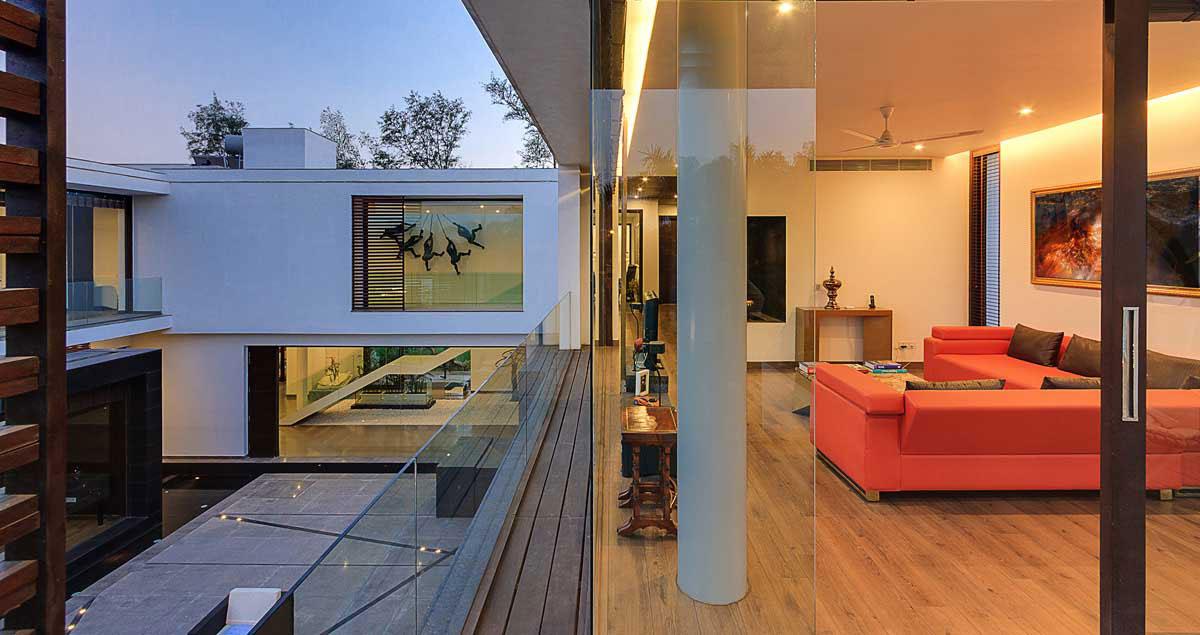 Modern Center Court Villa in New Delhi by DADA Partners-14