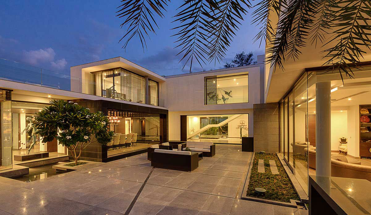 Modern center court villa in new delhi by dada partners for Architecture design for home in delhi