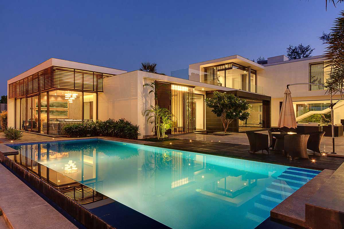 Modern Center Court Villa in New Delhi by DADA Partners-16