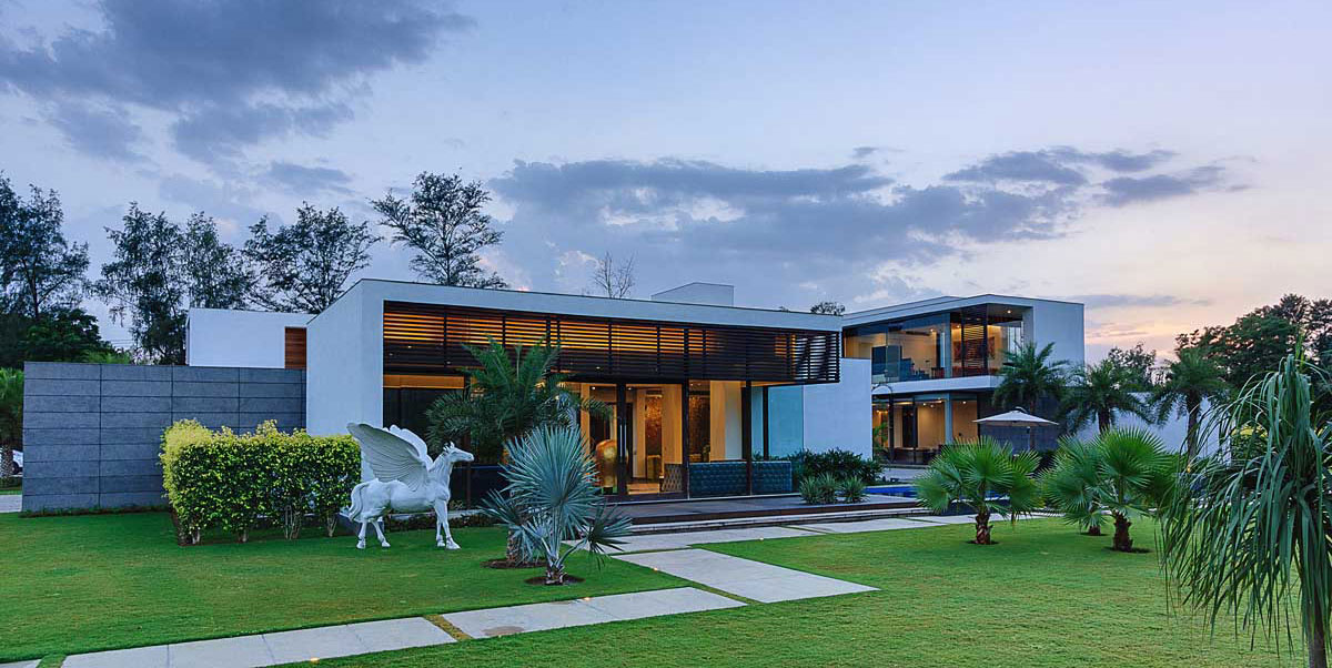 Modern Center Court Villa in New Delhi by DADA Partners-20