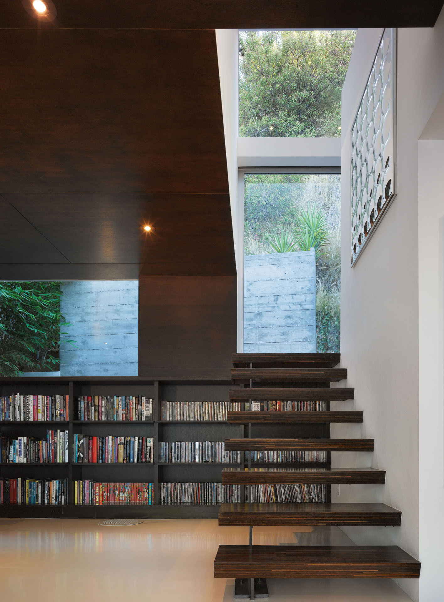 Modern Hollywood Hills Residence with Secret Roof Garden by Griffin Enright Architects-06