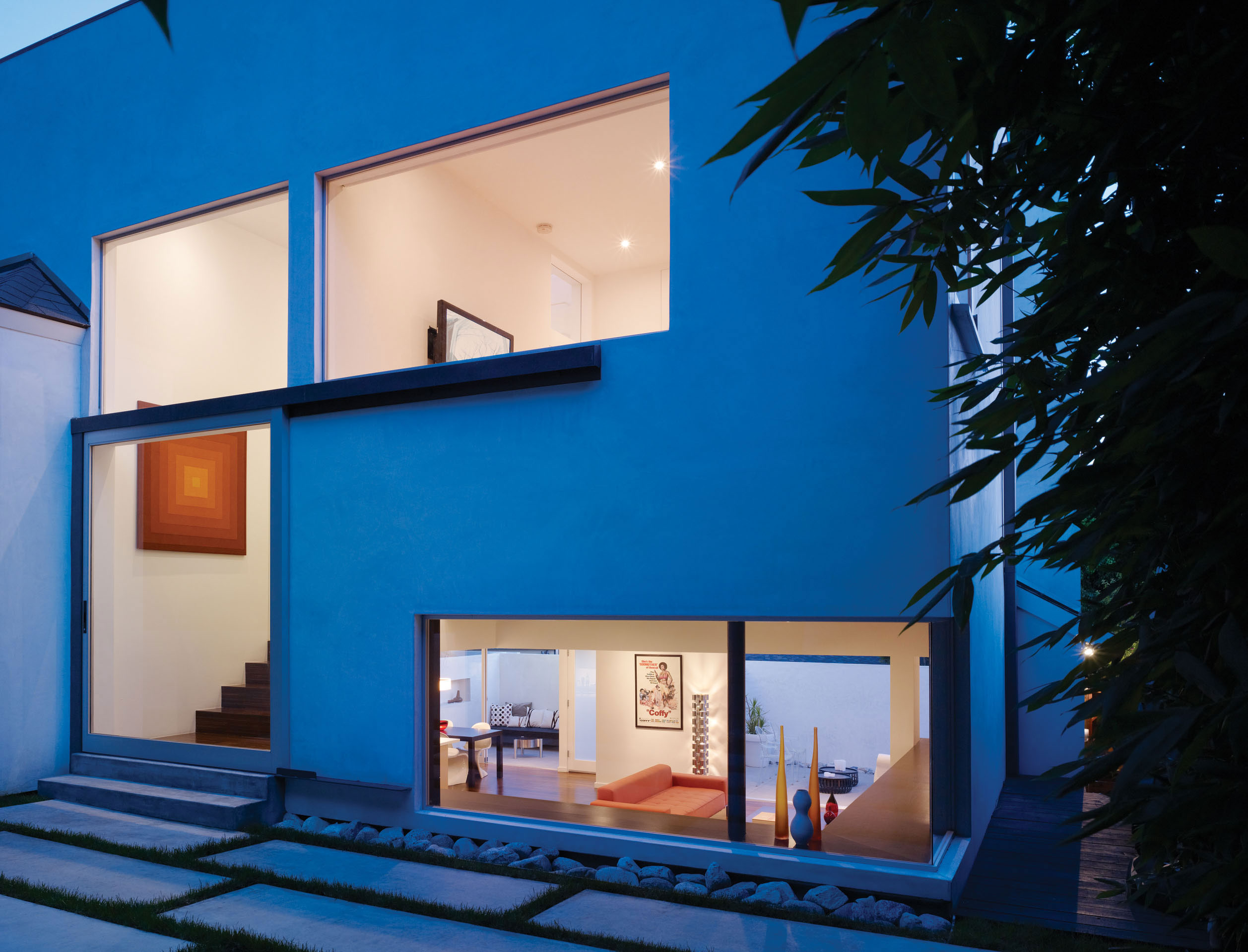 Modern Hollywood Hills Residence with Secret Roof Garden by Griffin Enright Architects-11