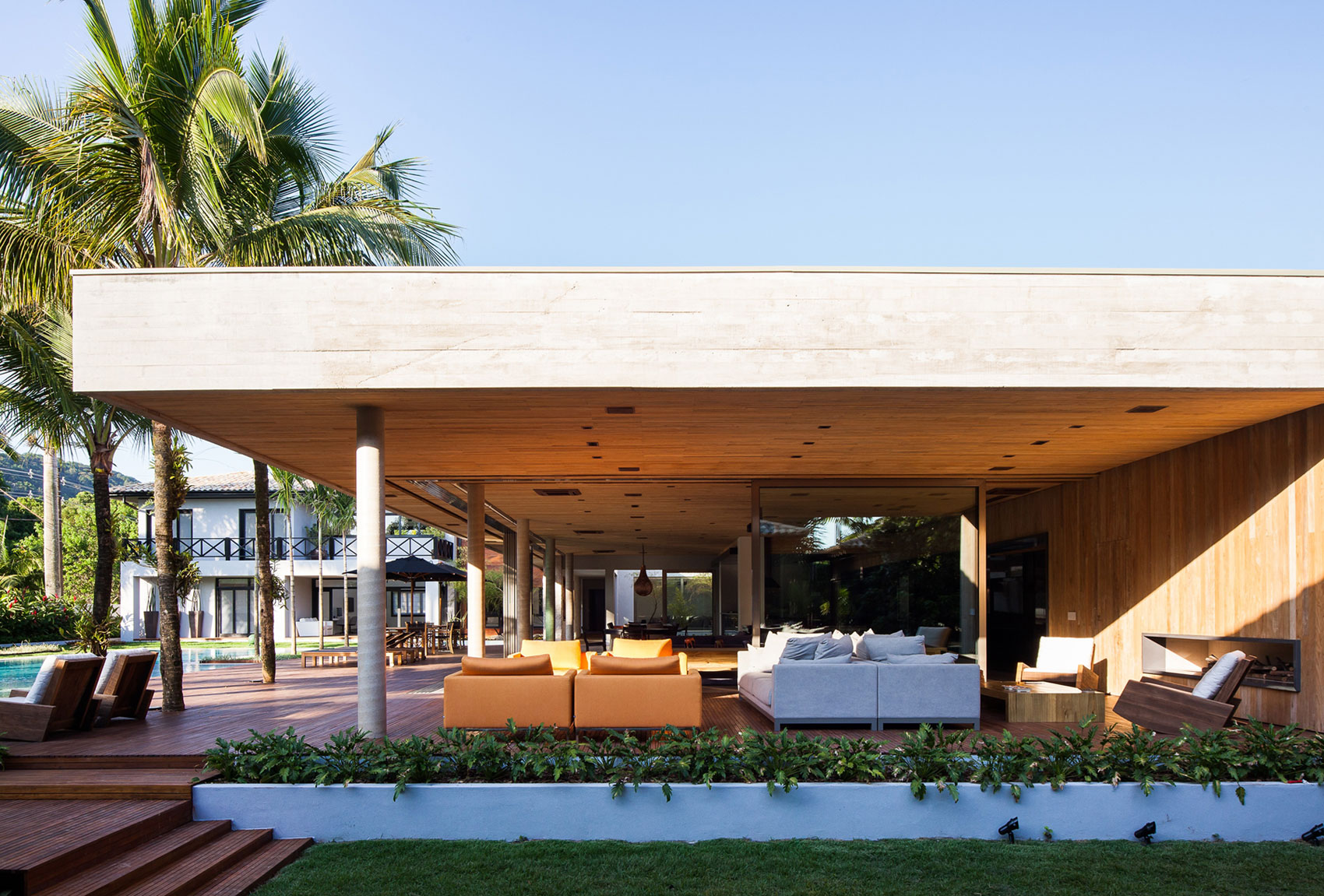 Modern Leisure Pavilion of MZ Residence by Basiches Arquitetos-04
