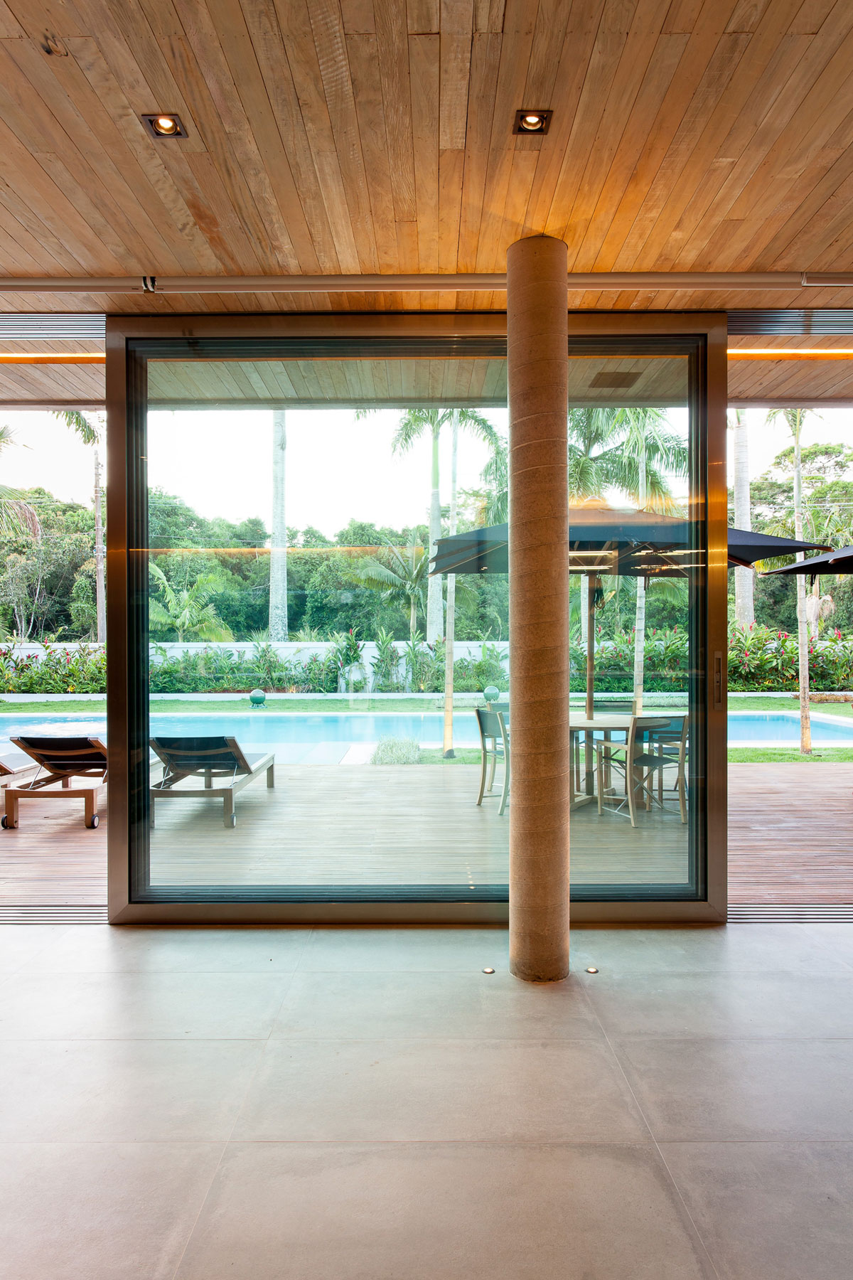 Modern Leisure Pavilion of MZ Residence by Basiches Arquitetos-06