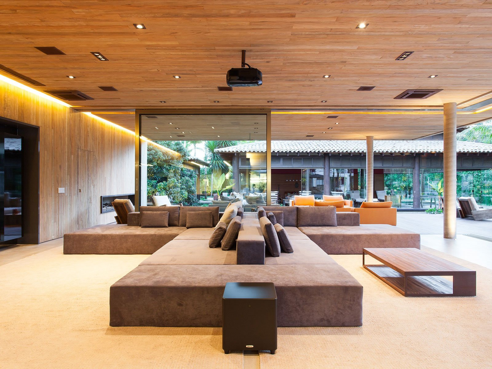 Modern Leisure Pavilion of MZ Residence by Basiches Arquitetos-08