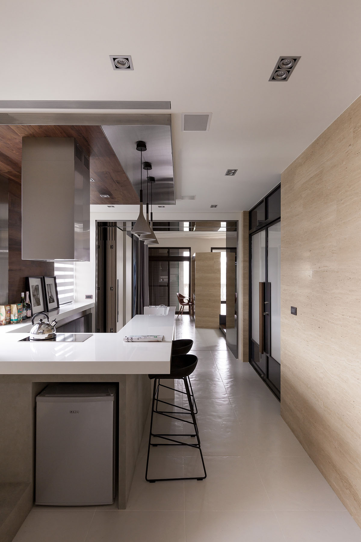 Modern Lo Apartment in Taoyuan by LGCA DESIGN-01