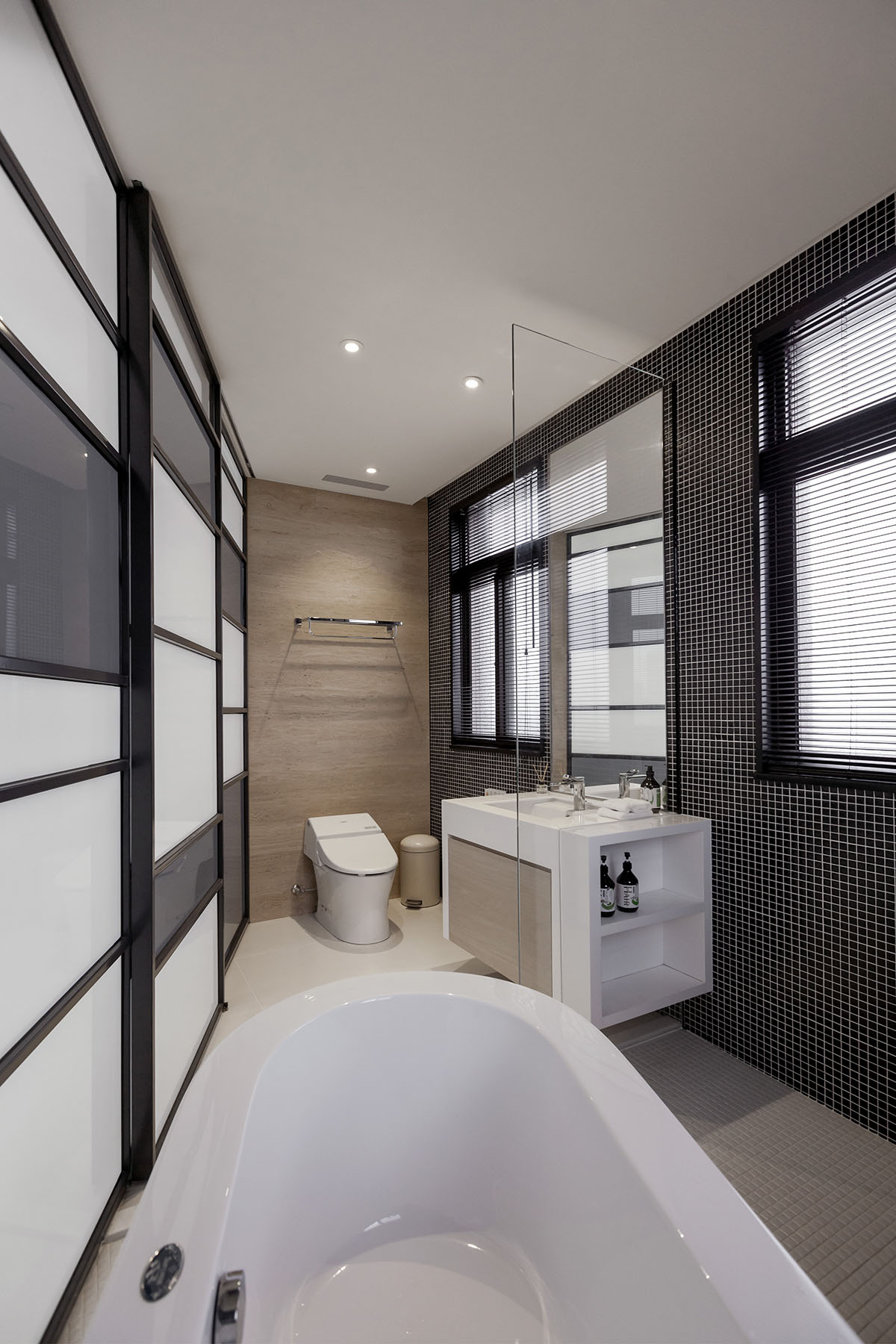 Modern Lo Apartment in Taoyuan by LGCA DESIGN-15