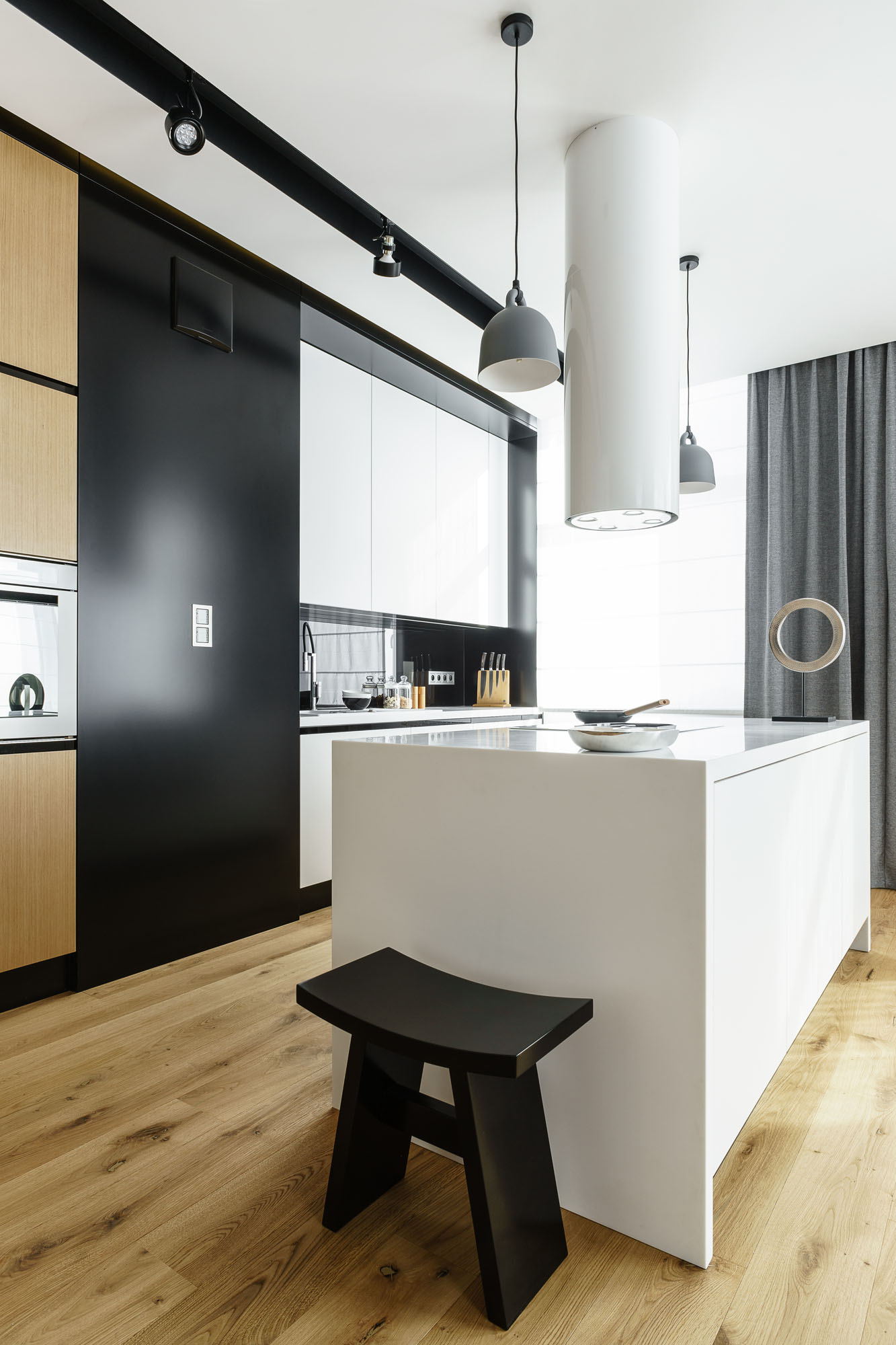 Modern Metallic, Wooden, White Theme Three Bedroom Apartment in Gdynia by Dragon Art-14