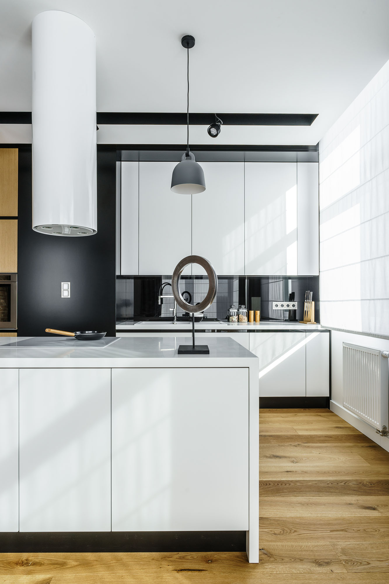 Modern Metallic, Wooden, White Theme Three Bedroom Apartment in Gdynia by Dragon Art-16