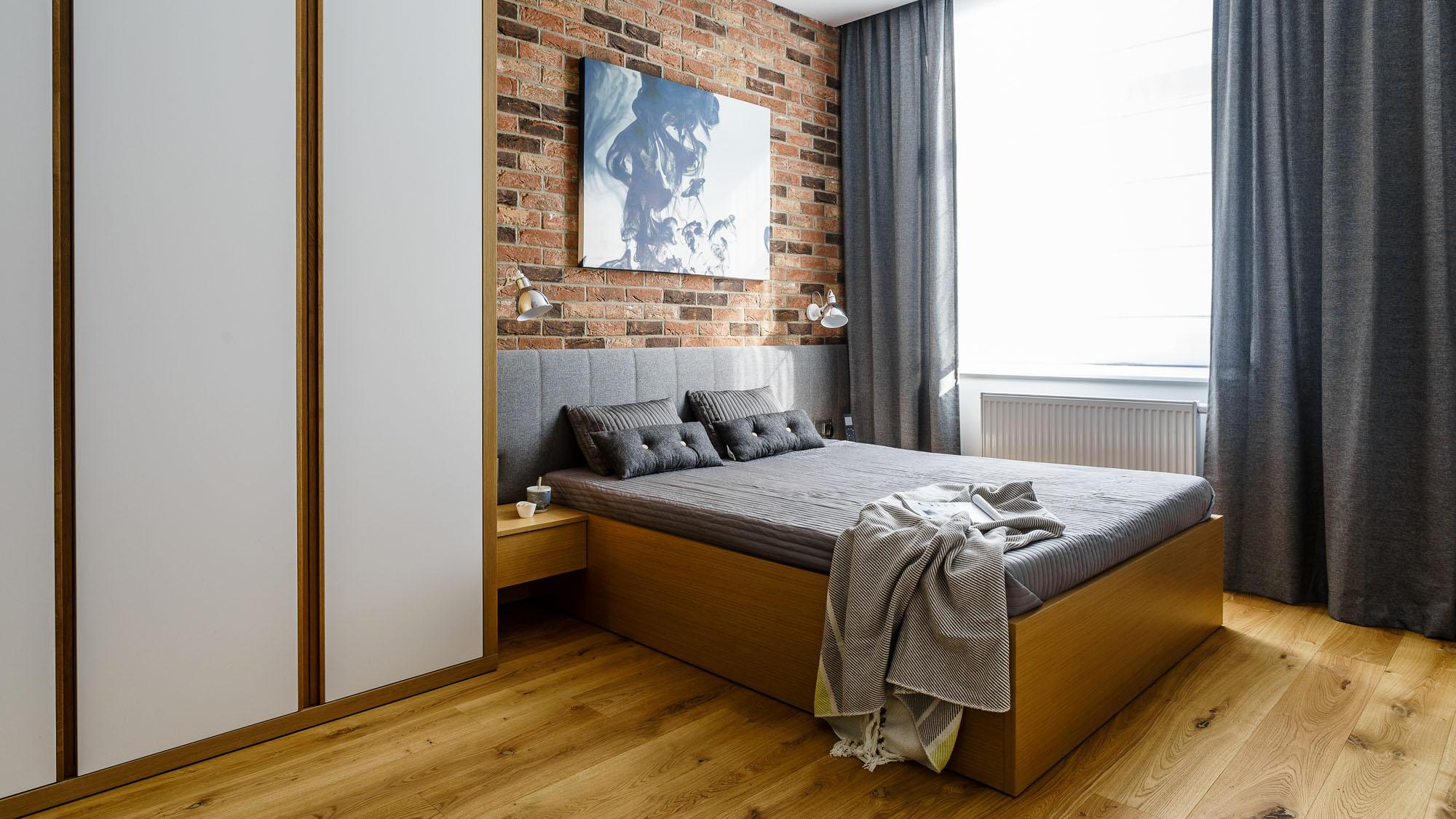Modern metalic wooden white theme three bedroom for Modern 3 bedroom apartment design