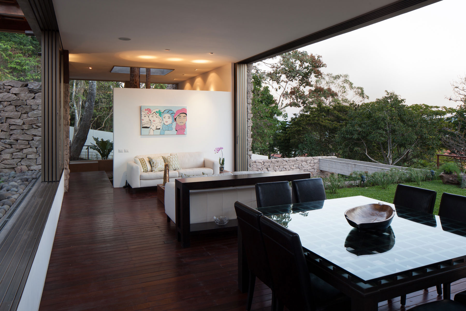 Modern, Rustic Sensation Of Garden House in El Salvador by Cincopatasalgato-10