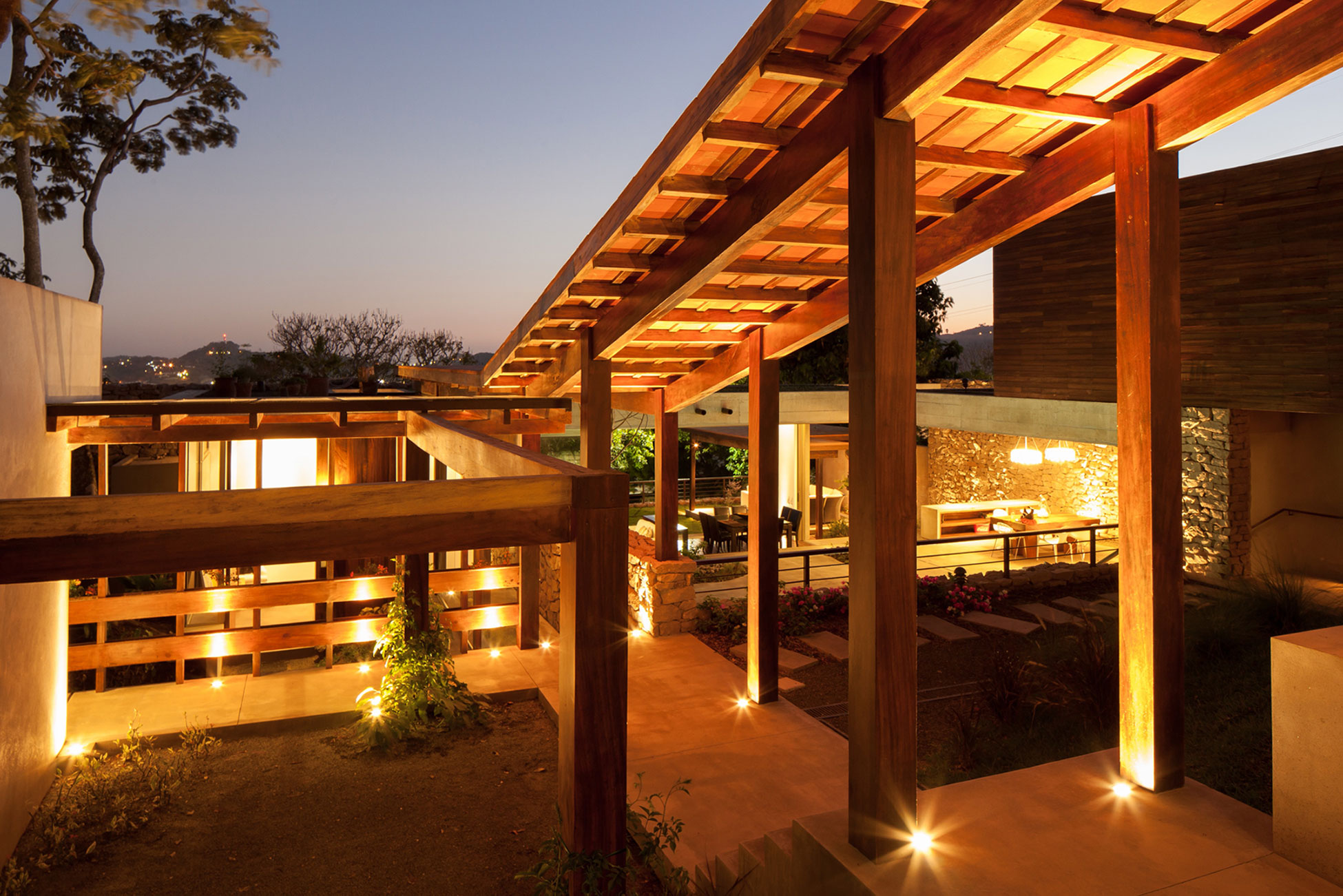 Modern, Rustic Sensation Of Garden House in El Salvador by Cincopatasalgato-17