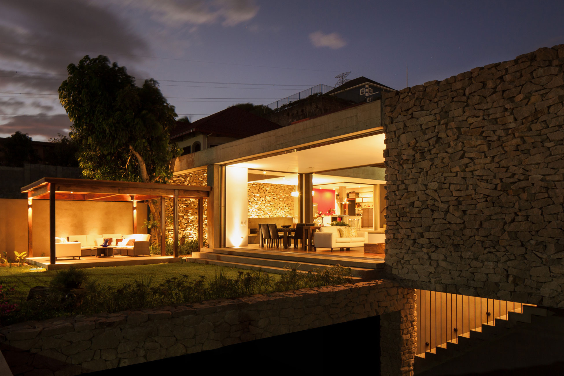 Modern, Rustic Sensation Of Garden House in El Salvador by Cincopatasalgato-18