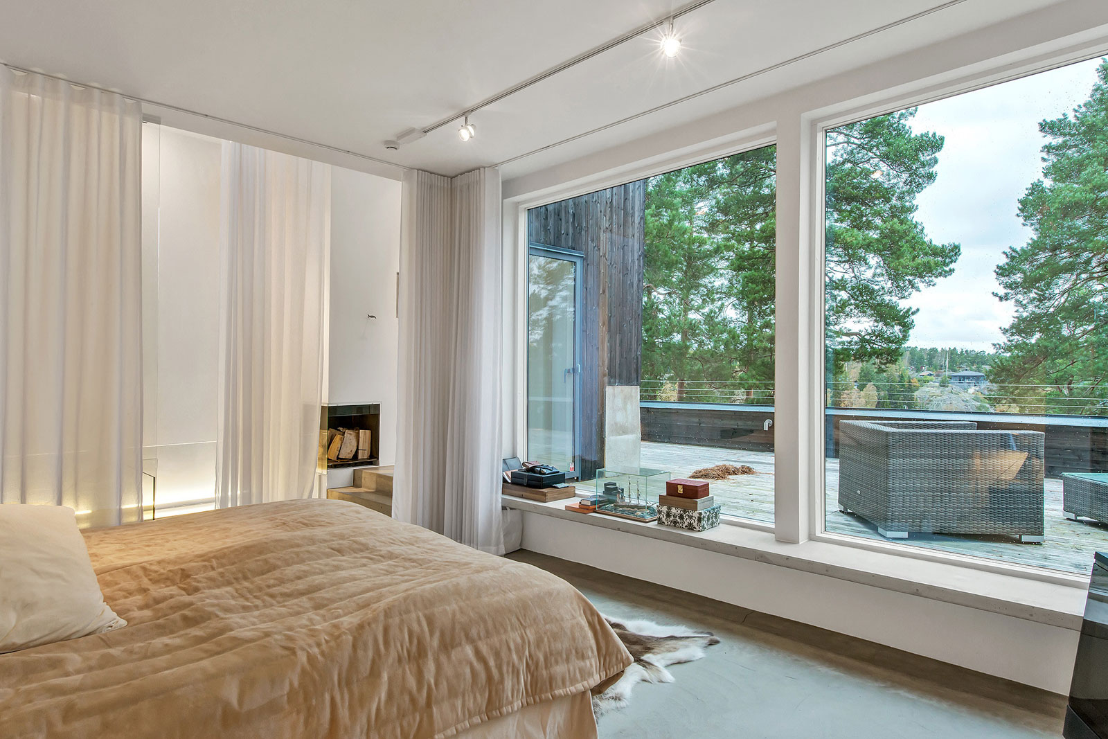 Modern Villa Östernäs in Ingarö by Gabriel Minguez-16