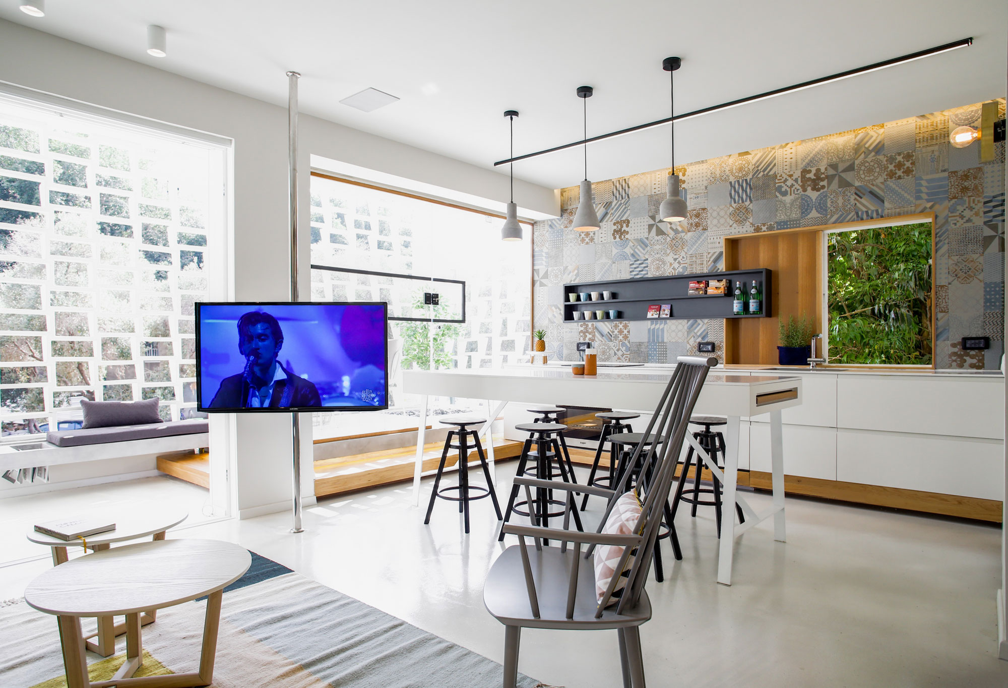 Modern Weisel Apartment in Tel Aviv by Dori Interior Design-04