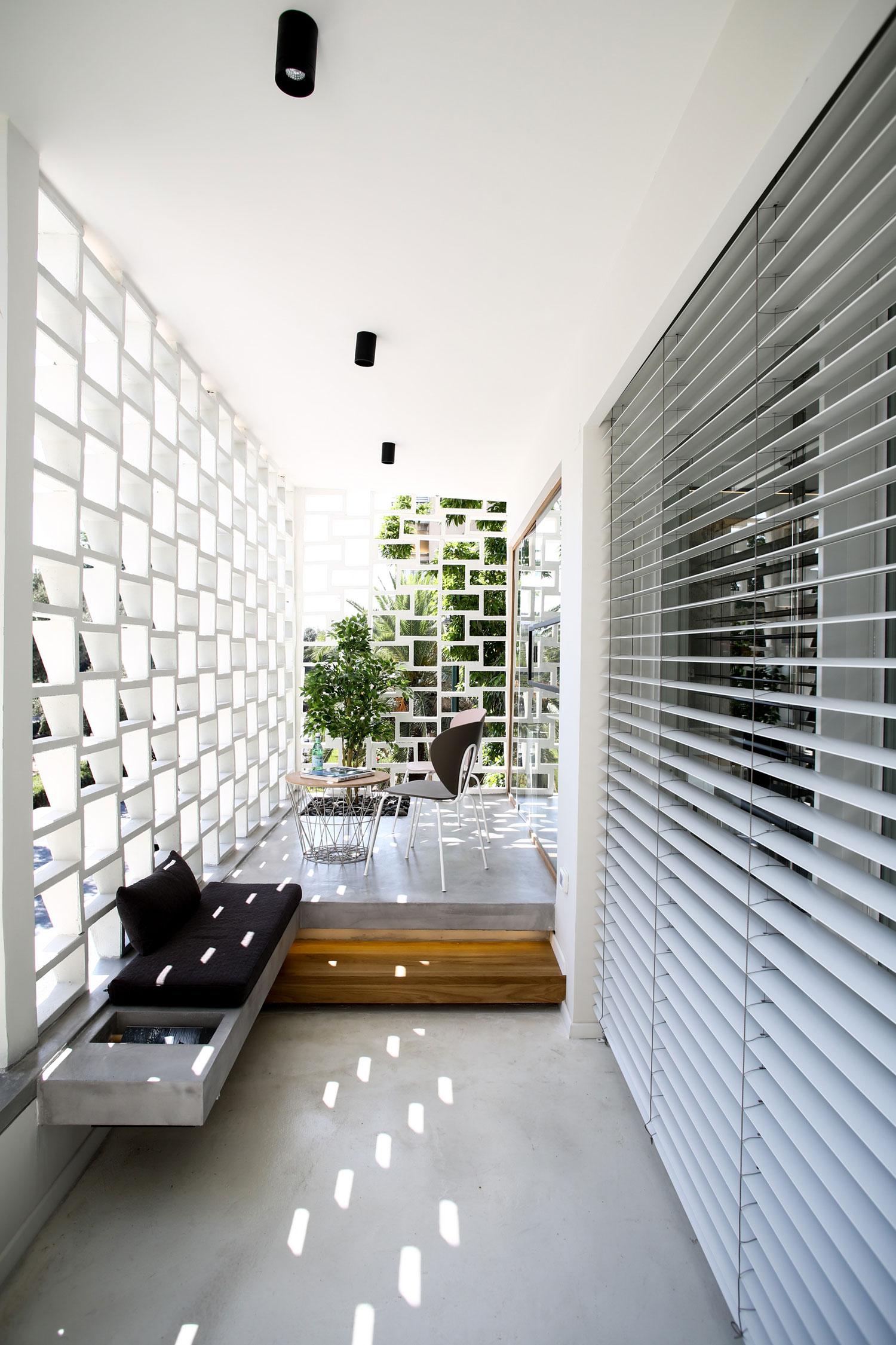 Modern Weisel Apartment in Tel Aviv by Dori Interior Design-09