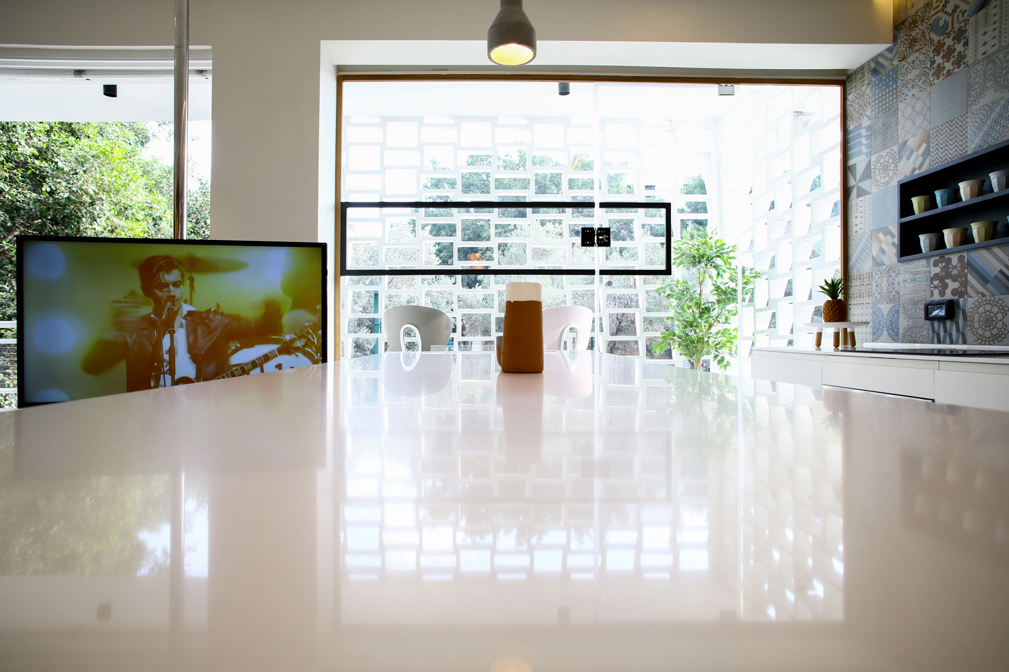 Modern Weisel Apartment in Tel Aviv by Dori Interior Design-14
