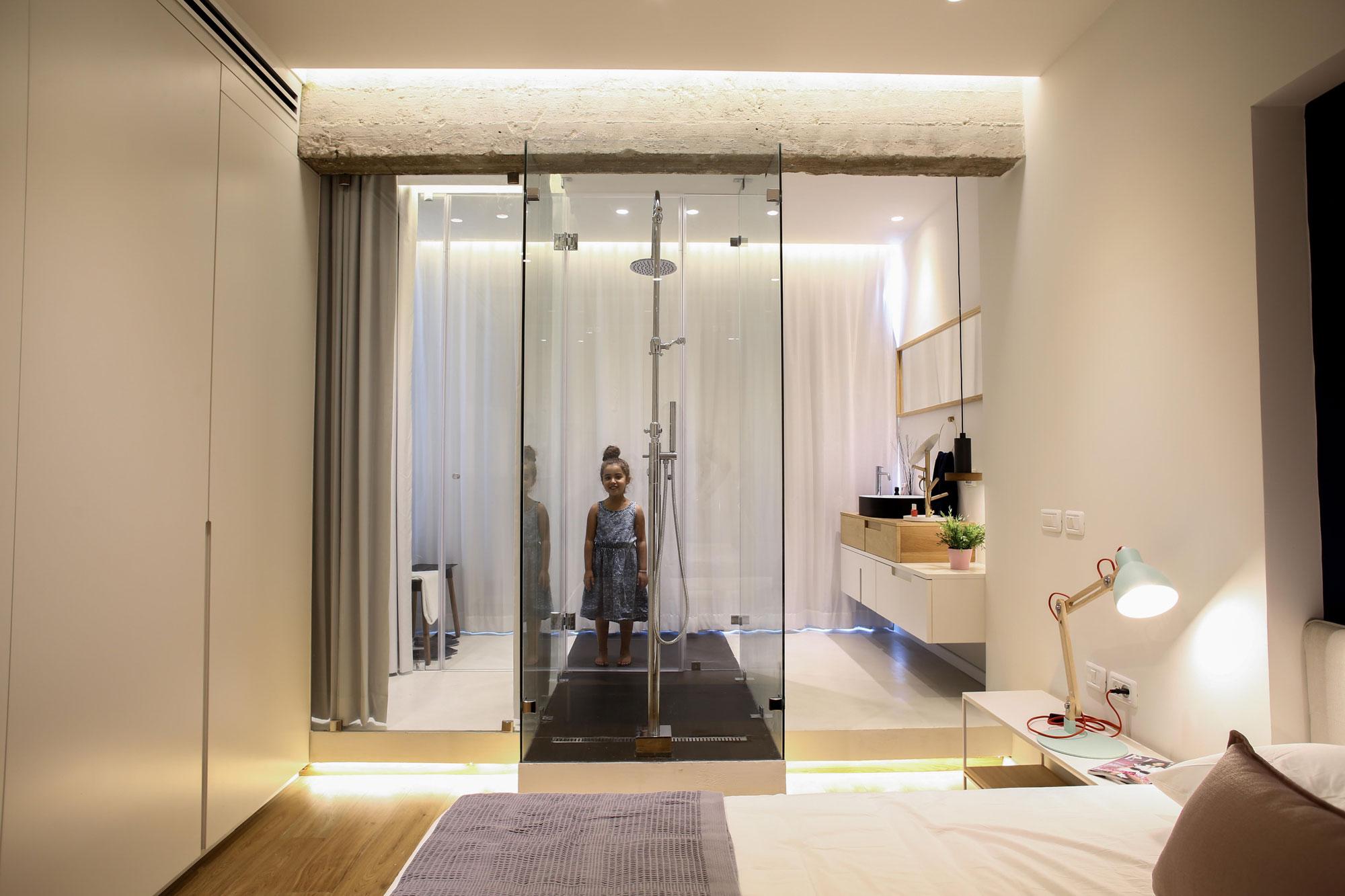 Modern Weisel Apartment in Tel Aviv by Dori Interior Design-26