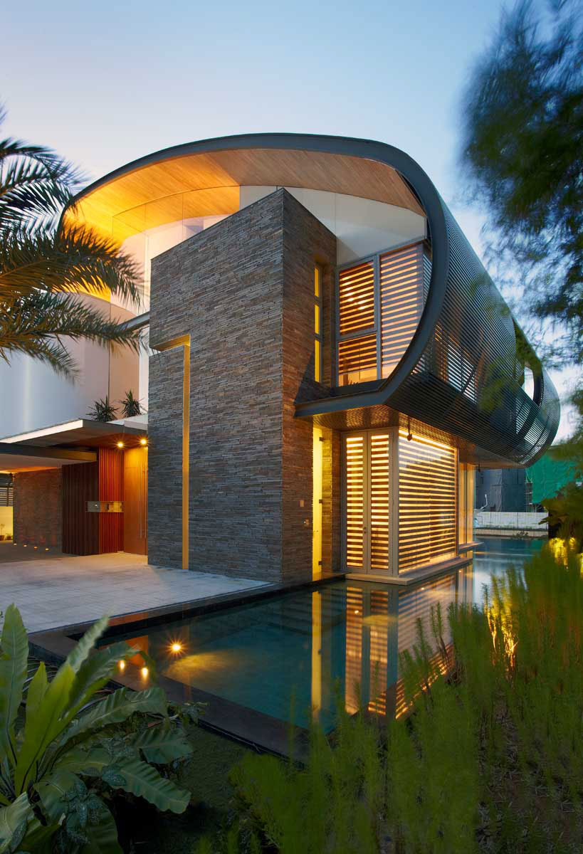 NO THIRTY6 Eco-Friendly Home with WoW Factor by Greg Shand Architects