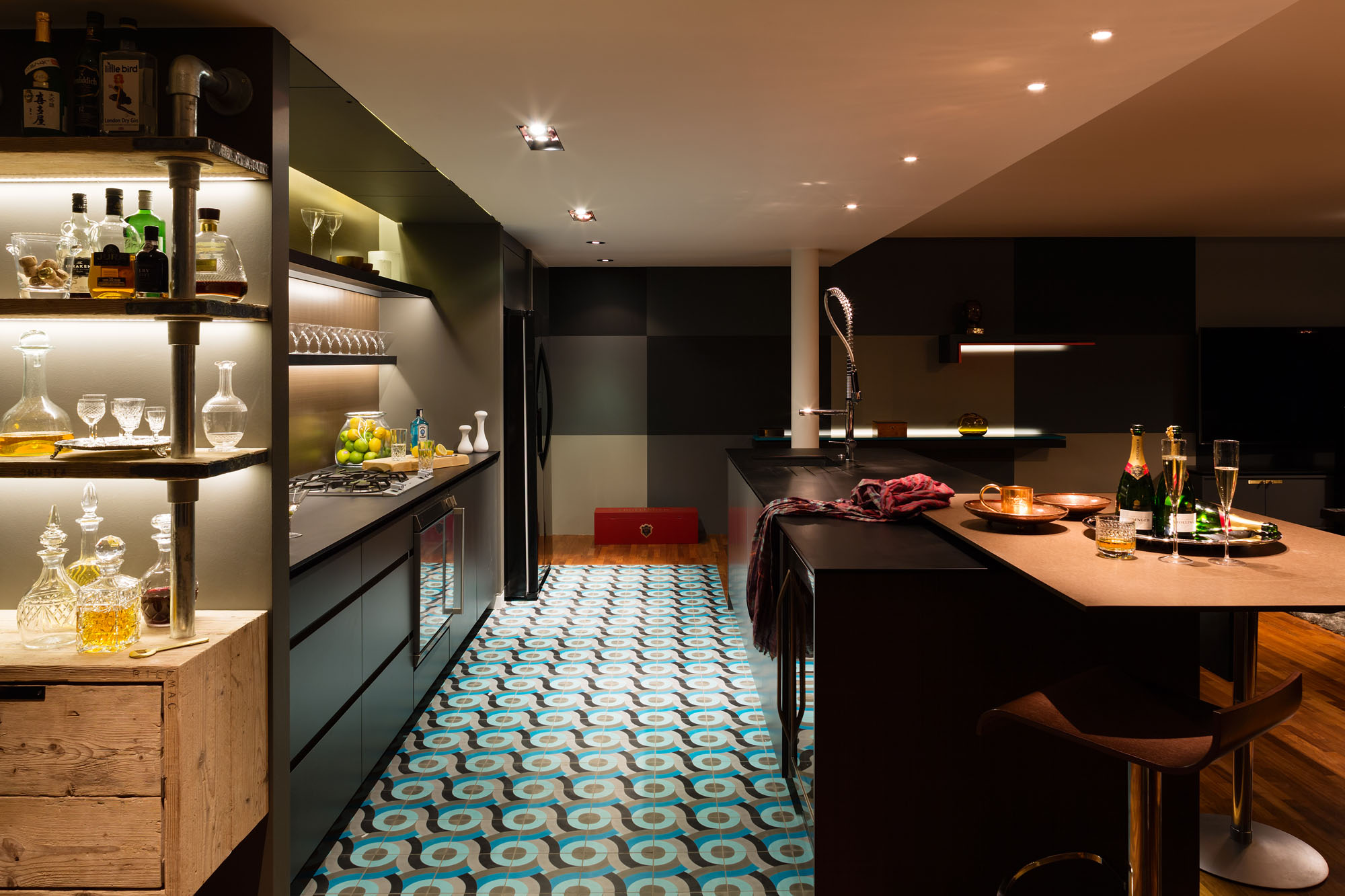 Night and Day Bermondsey Penthouse in London by Daniel Hopwood-04