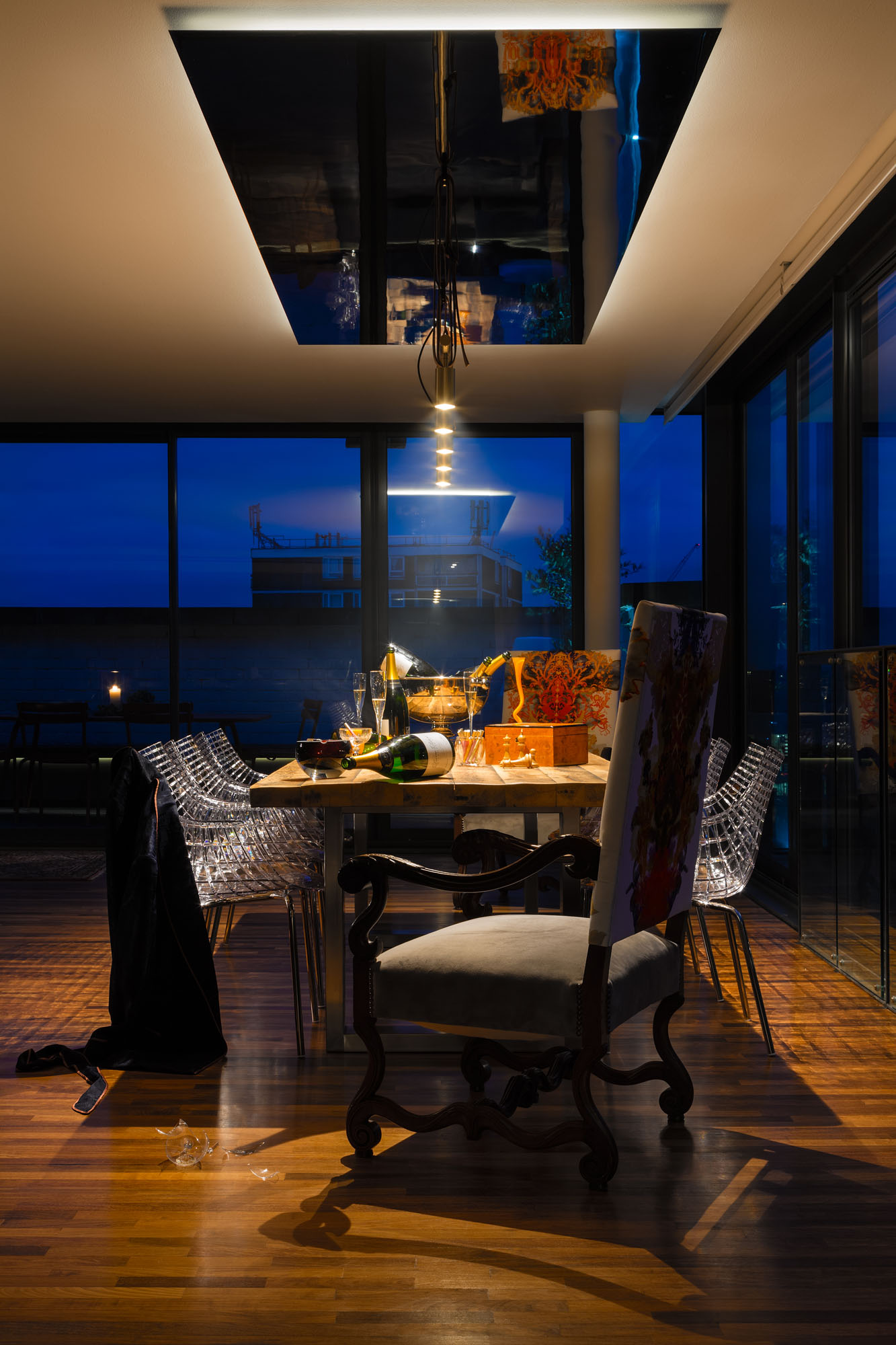 Night and Day Bermondsey Penthouse in London by Daniel Hopwood-07