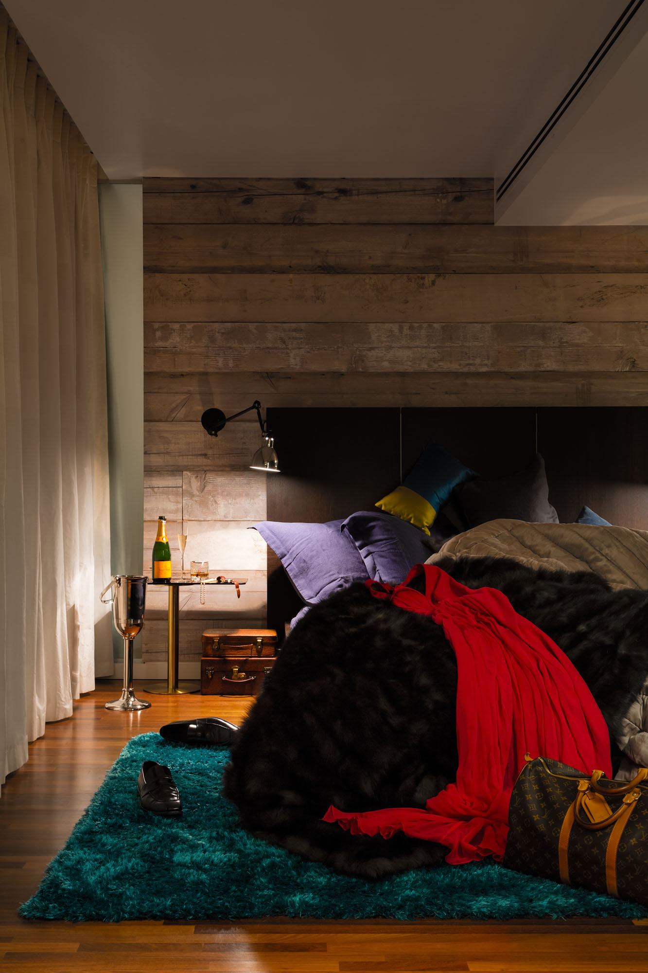 Night and Day Bermondsey Penthouse in London by Daniel Hopwood-08