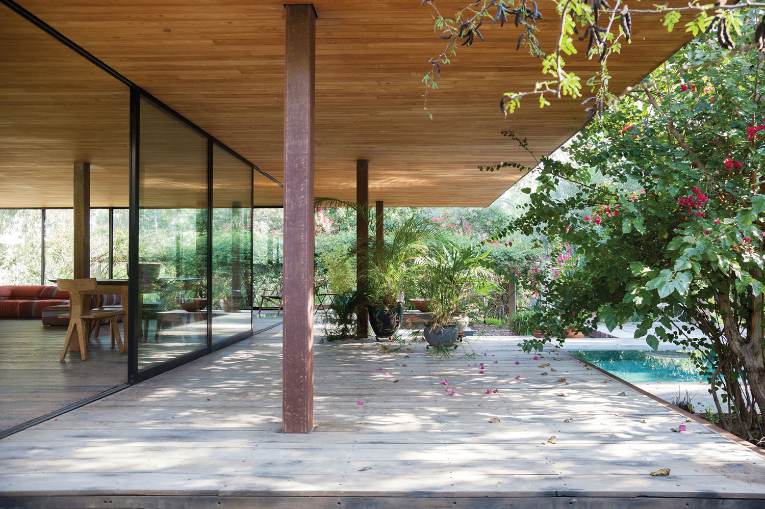 Pavilion at Architect's Residence in Nicosia by Kythreotis Architects-07