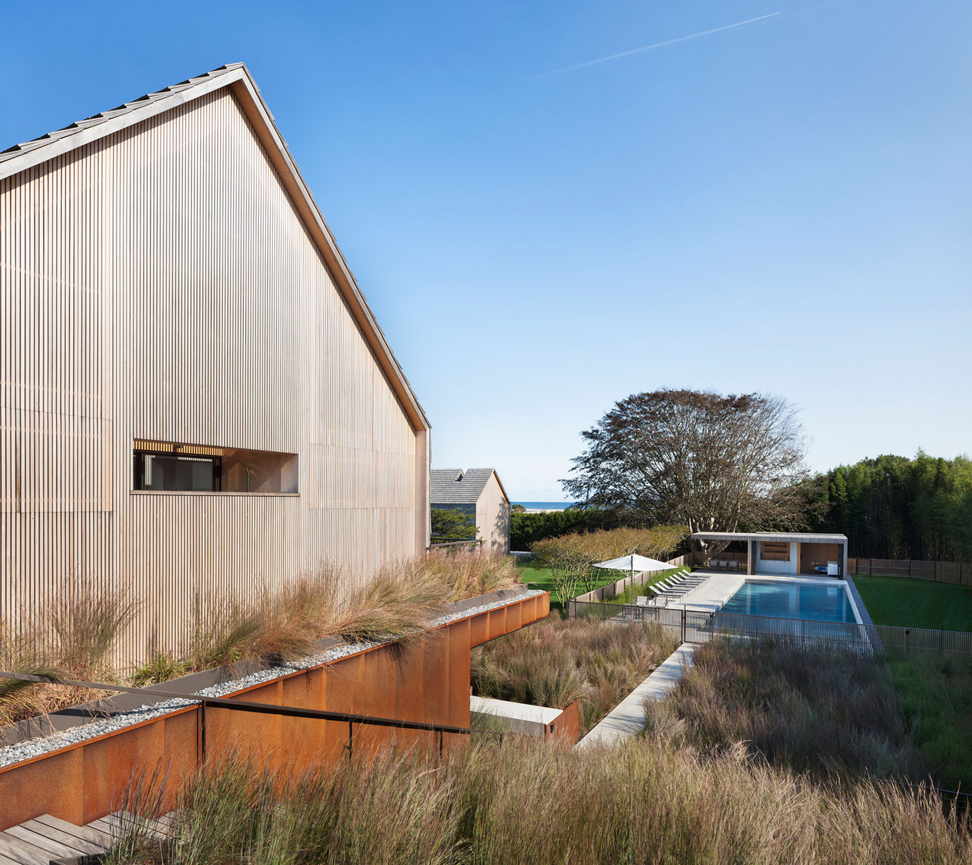 Piersons Way Residence in East Hampton by Bates Masi Architects-03