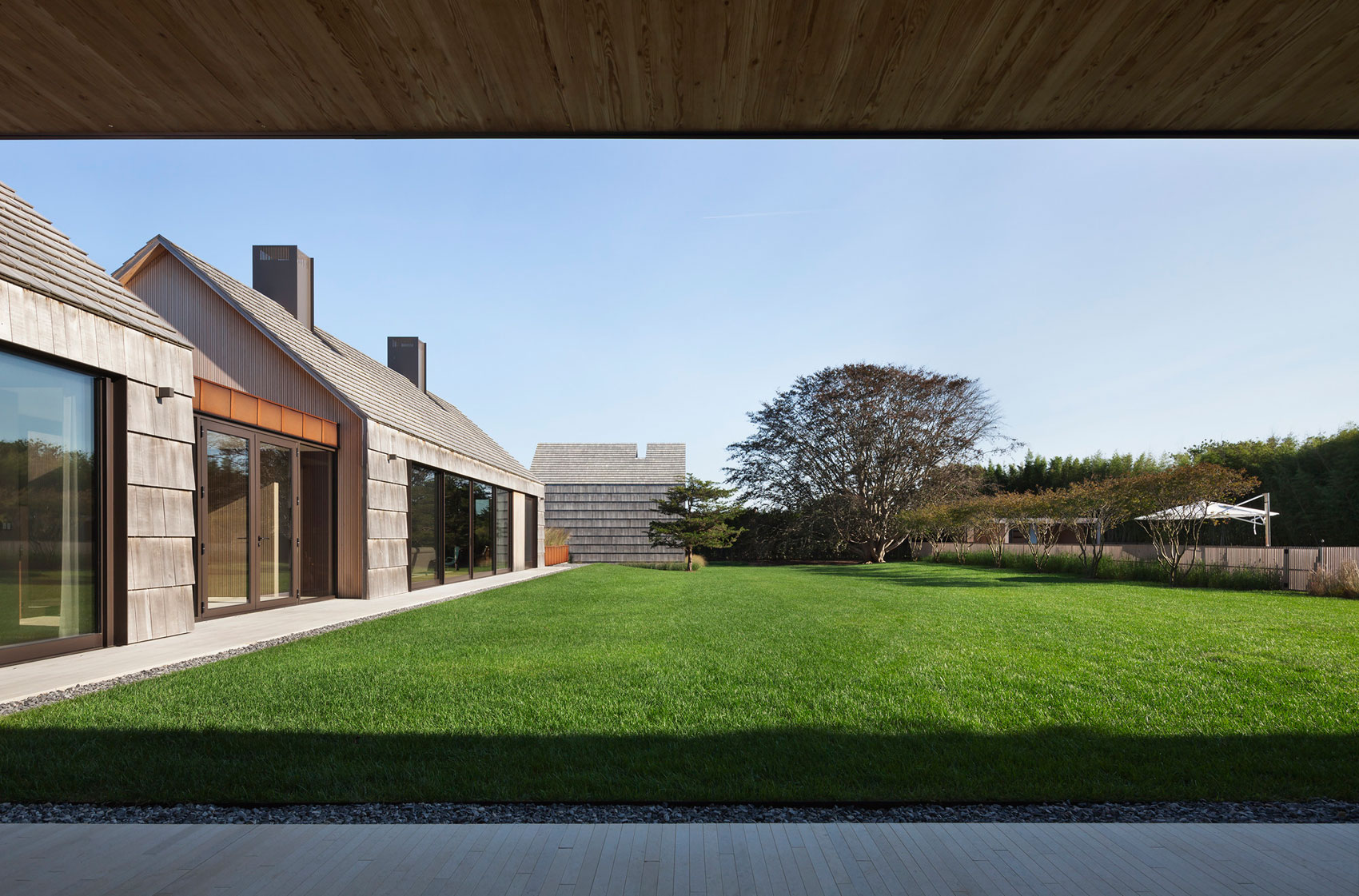 Piersons Way Residence in East Hampton by Bates Masi Architects-06