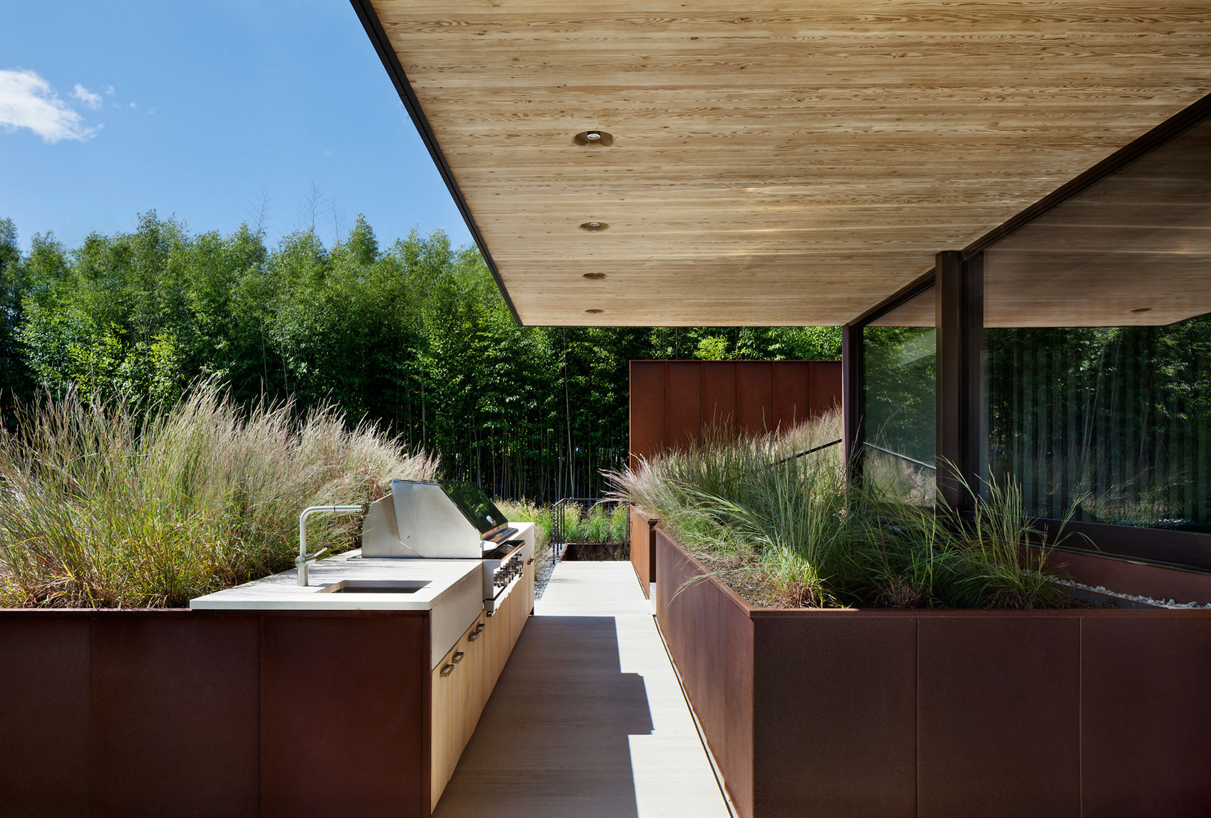 Piersons Way Residence in East Hampton by Bates Masi Architects-07
