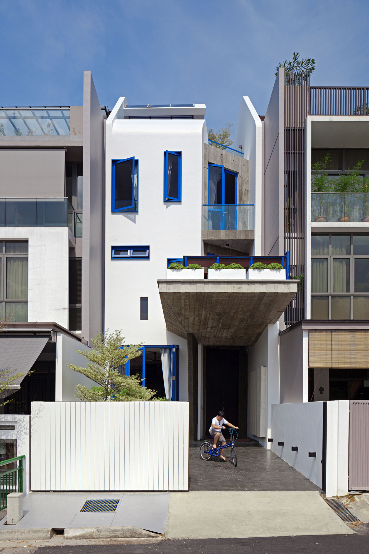 Poh Huat Road Residence by Envelope Architects-01