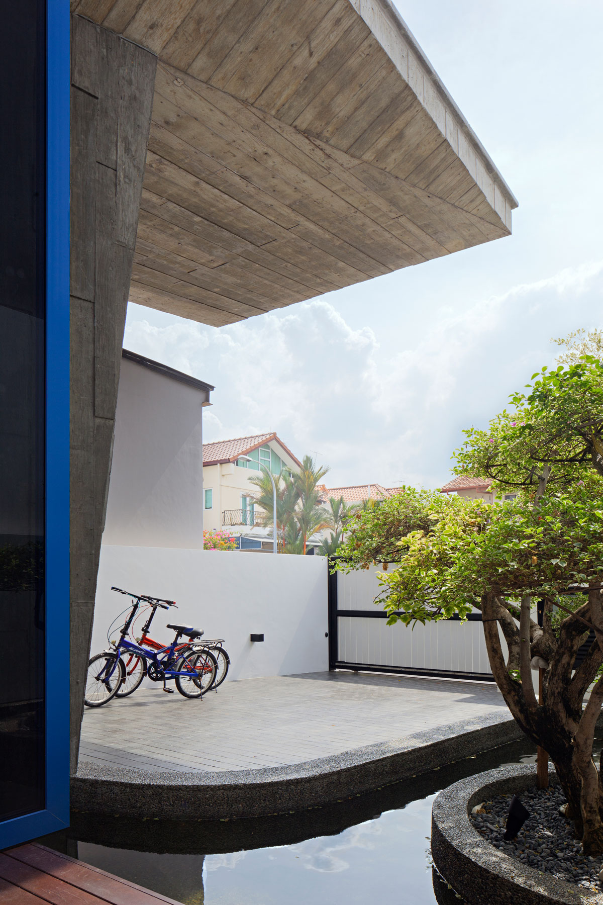 Poh Huat Road Residence by Envelope Architects-04