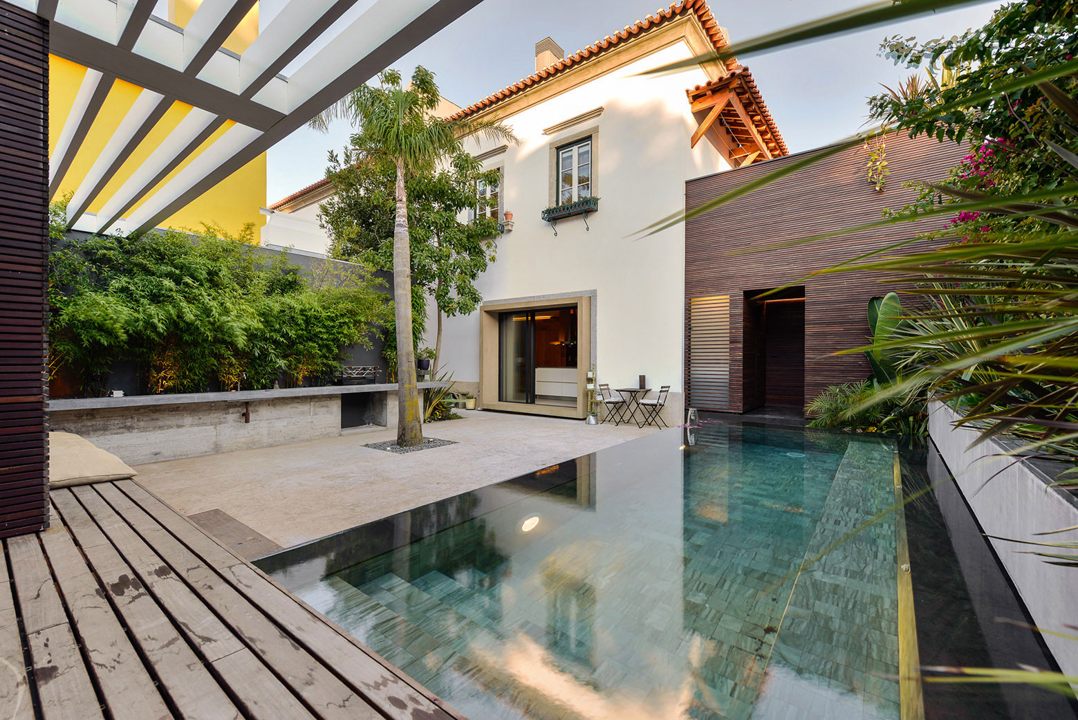 Renovation of a 1923 House in Estoril by Ricardo Moreno Arquitectos-06