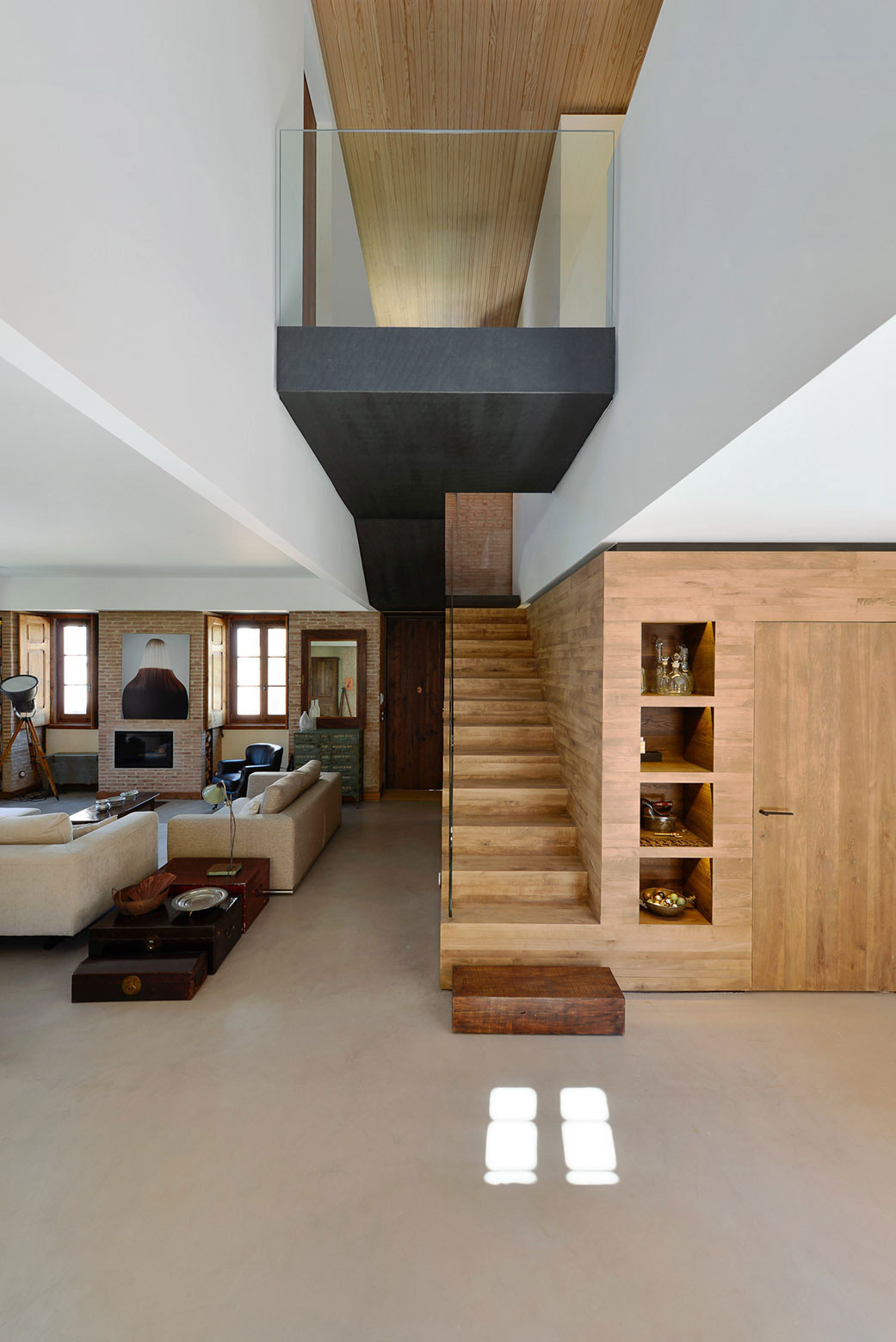 Renovation of a 1923 House in Estoril by Ricardo Moreno Arquitectos-21