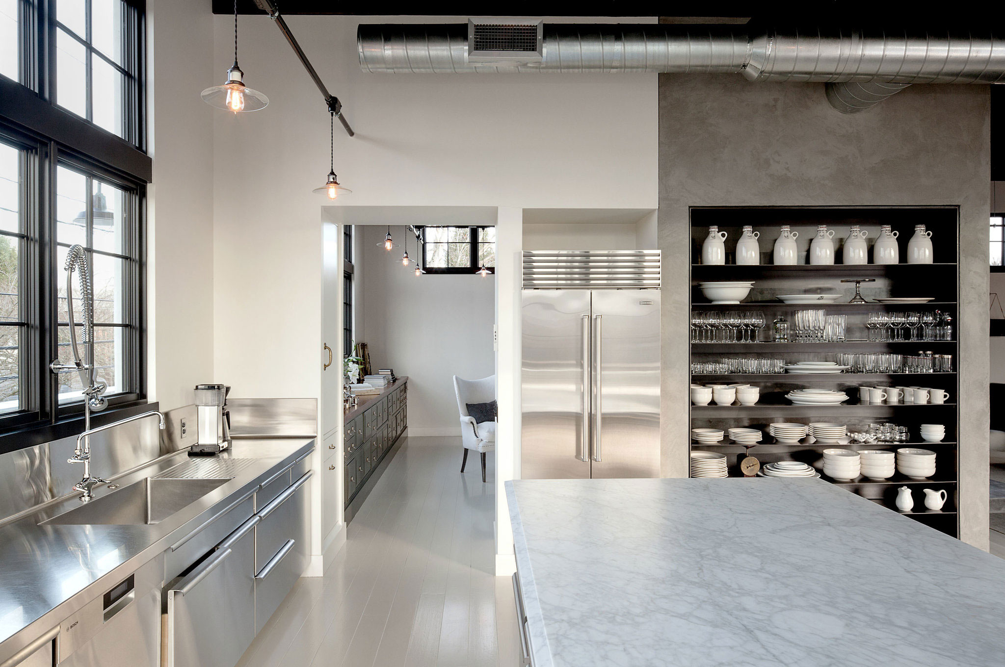 Se Division Street Industrial Penthouse in Portland by Emerick Architects-07