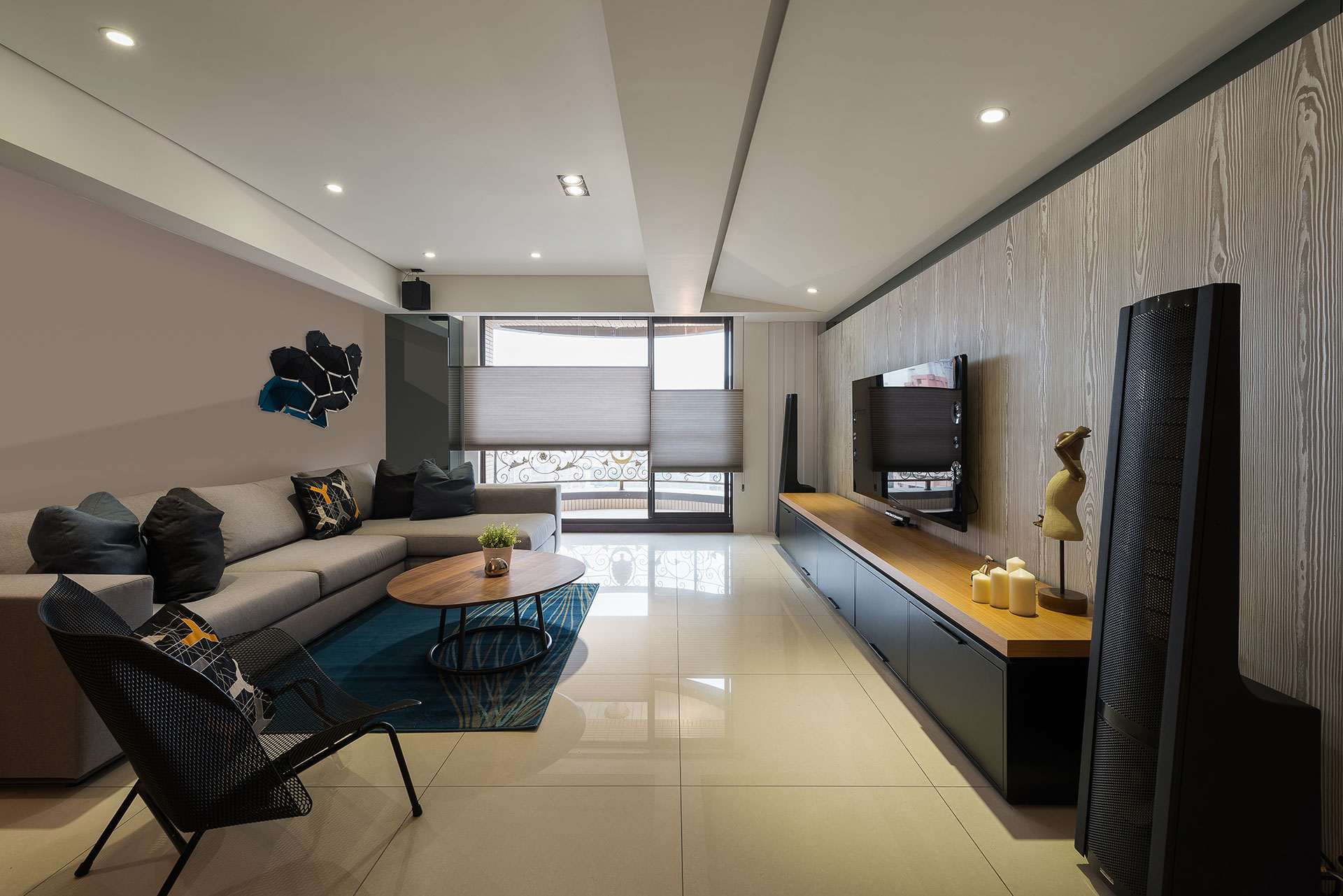 Stylish Element Apartment in Taiwan by White Interior Design-03