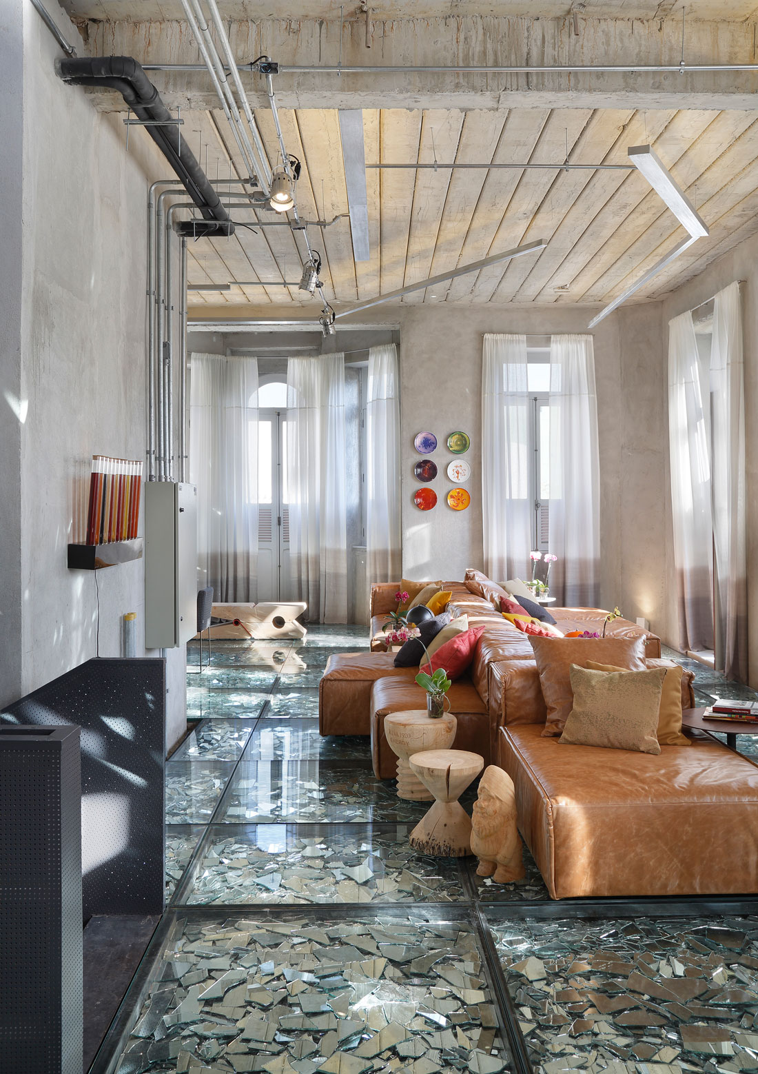 Stylish and Eclectic Design with Broken Glass Floor of Lab LZ for Casa Cor Rio 2015 by Giselle Taranto Architecture-03