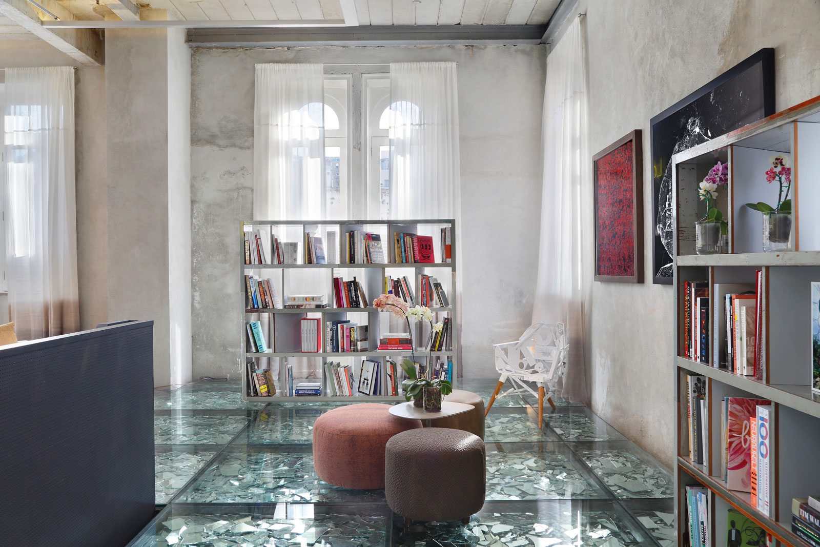 Stylish and Eclectic Design with Broken Glass Floor of Lab LZ for Casa Cor Rio 2015 by Giselle Taranto Architecture-19