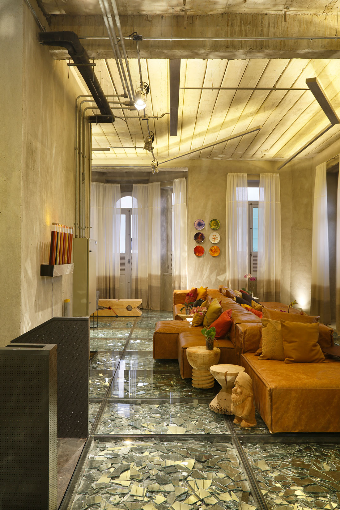 Stylish and Eclectic Design with Broken Glass Floor of Lab LZ for Casa Cor Rio 2015 by Giselle Taranto Architecture-27