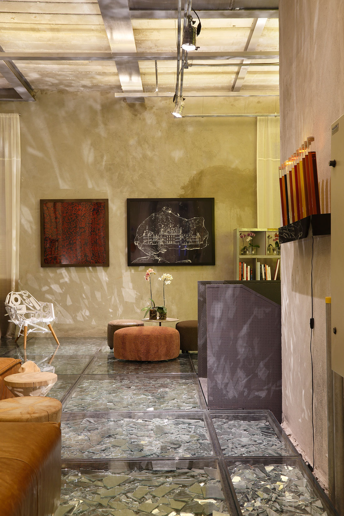 Stylish and Eclectic Design with Broken Glass Floor of Lab LZ for Casa Cor Rio 2015 by Giselle Taranto Architecture-29