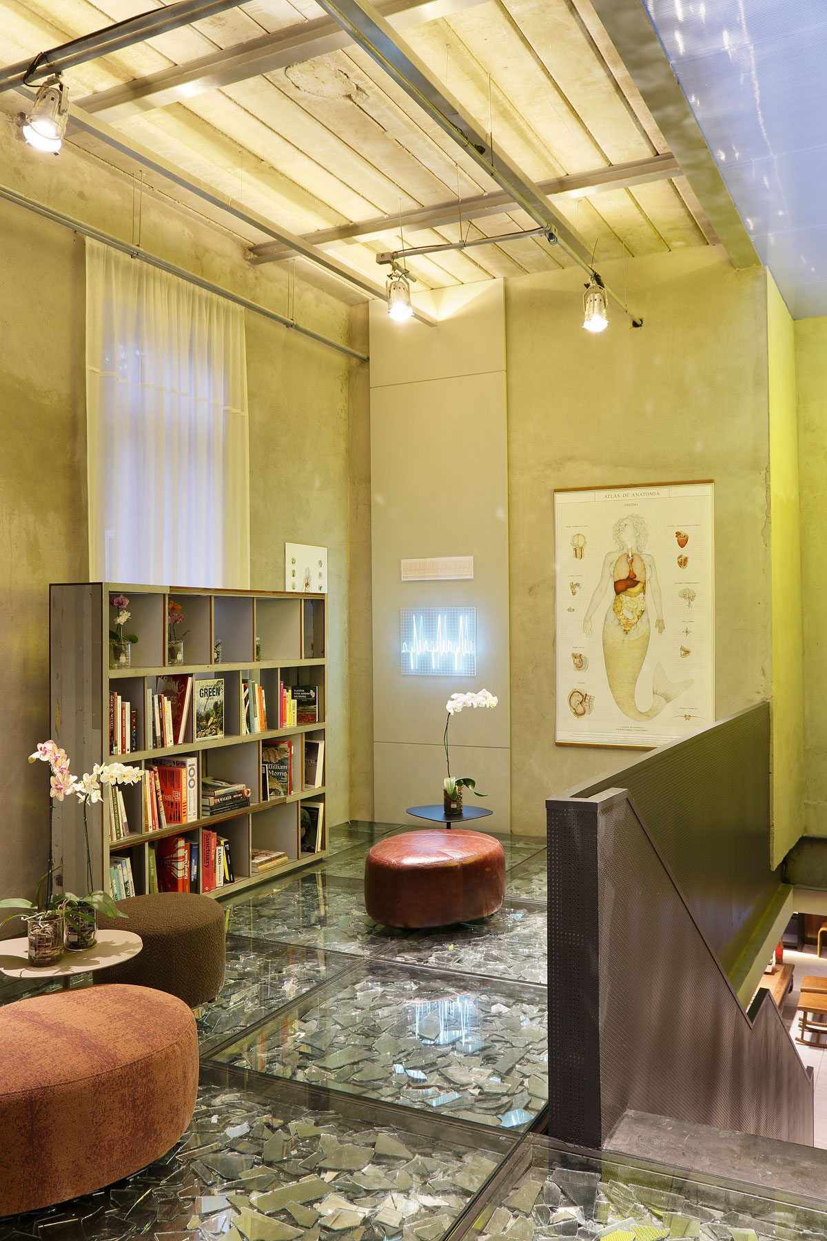 Stylish and Eclectic Design with Broken Glass Floor of Lab LZ for Casa Cor Rio 2015 by Giselle Taranto Architecture-30