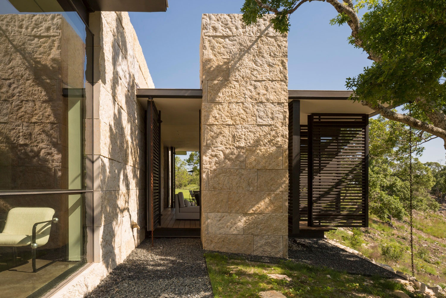 The 8 acre Boomerang Shape SK Ranch by Lake Flato Architects-05