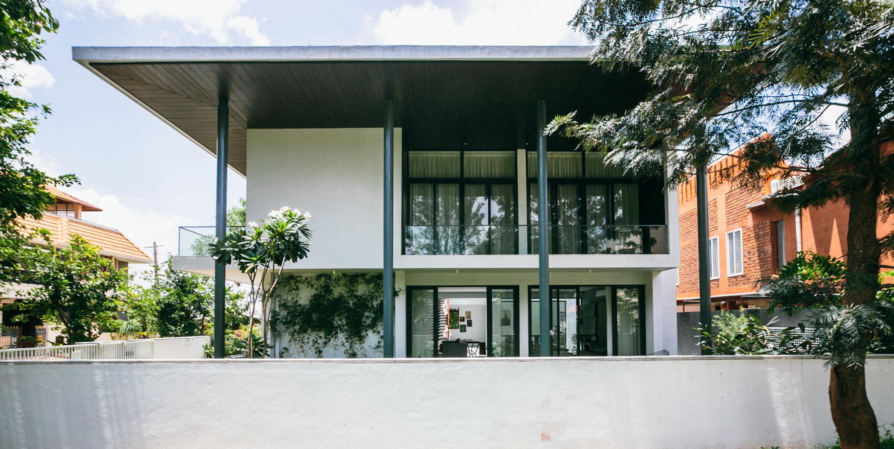 The Courtyard House near Bangalore by Abin Design Studio-01